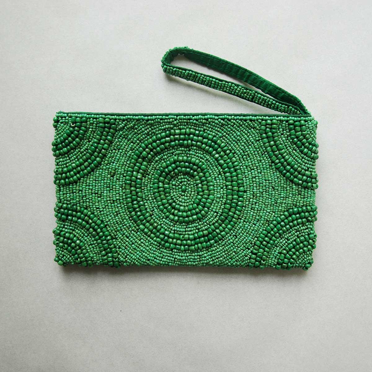 Green-beaded-clutch01