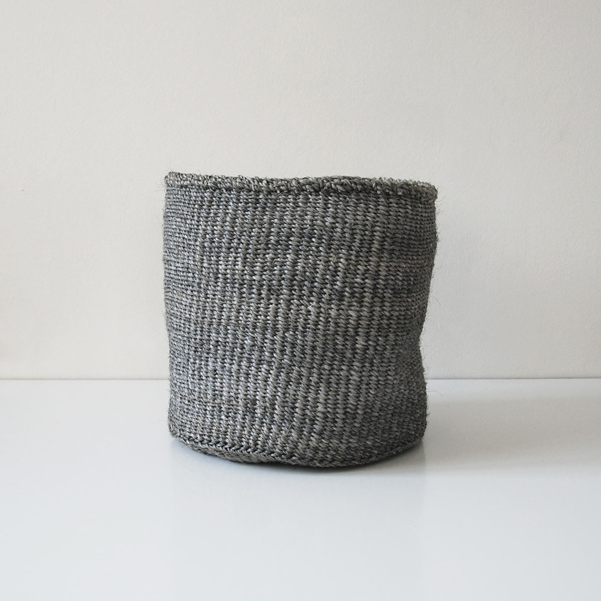 Planter-large-grey